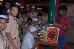 Dr Abdul Qadeer Secratary Shaheen Education Institute Bidar With Students In Nehru Photo Exibitition Bidar