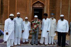 MASJID MAHMOOD GAWAN MANAGEMENT COMMITTEE KI JANIB SE DR ABDUL QADEER KO TAHNIYAT PESH KI GAYEE